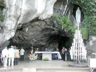 lourdes-grotte.jpg